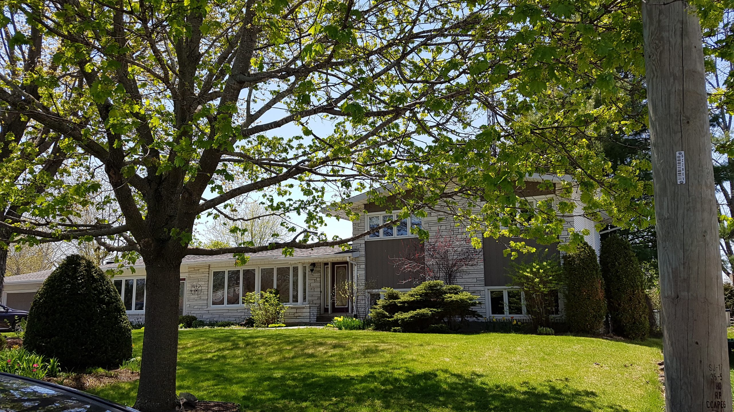 5 Champagne Street. Extension. CRYSLER, ON