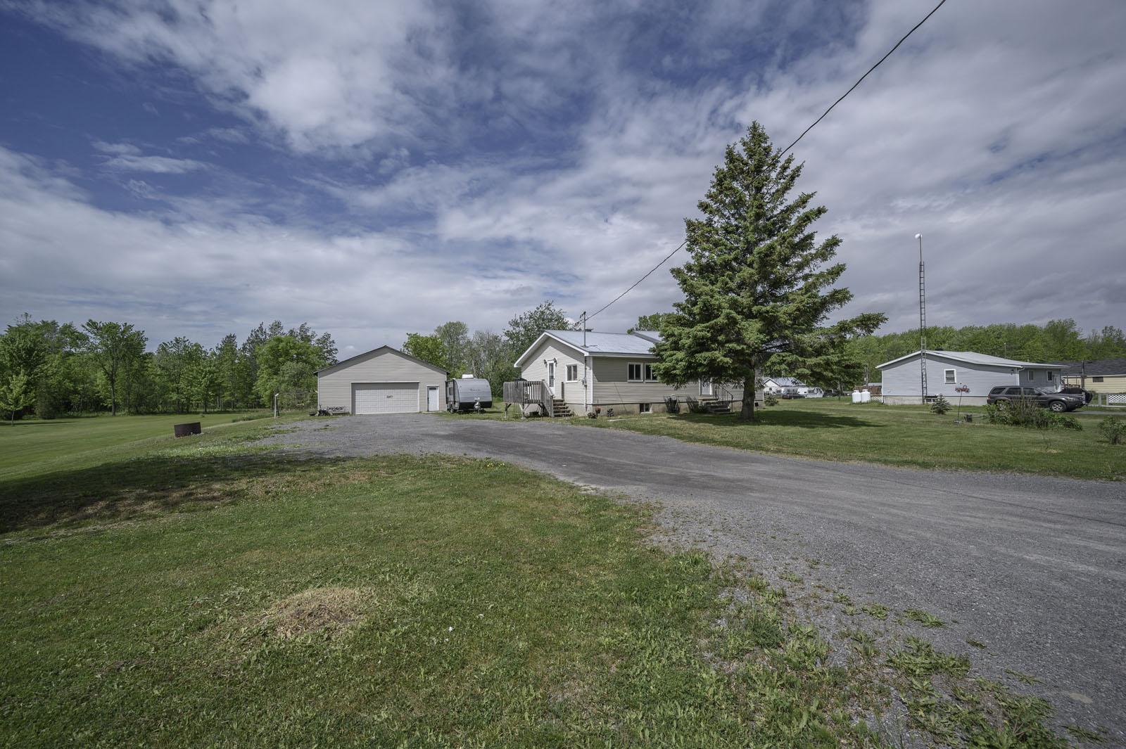 5016 Robertson Rd. MORRISBURG, ON